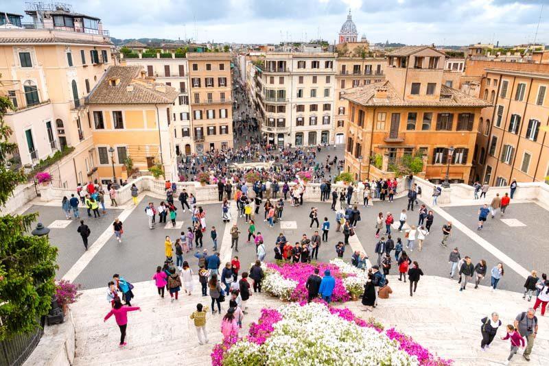 Plazas de Roma Piazza Spagna Arriba