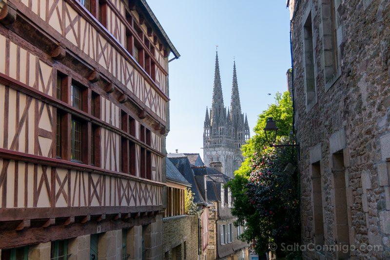 Que Ver En Quimper Bretana Calle Catedral