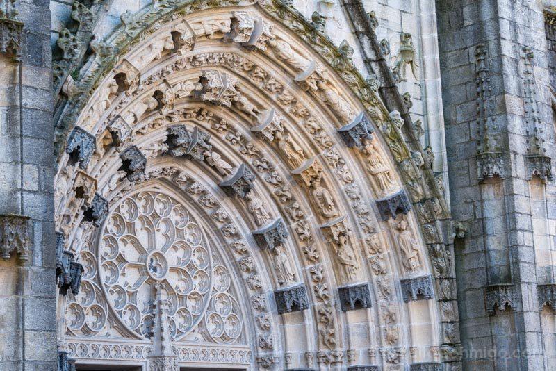 Viajar A Quimper Bretana Catedral Portico