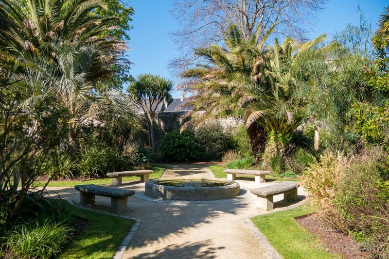 Viajar A Quimper Bretana Jardin Retraite