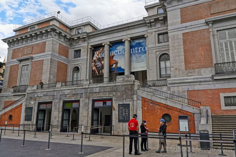 Museo Nacional Del Prado Reencuentro Fachada Mascarilla