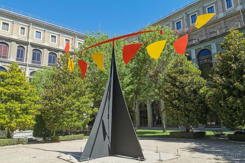 Museo Nacional Reina Sofia Alexander Calder Jardin Sabatini