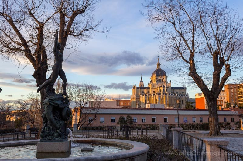 Parques Madrid Jardin Vistillas Catedral Almudena