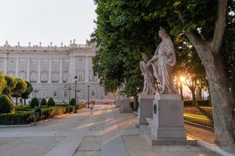 Parques MadridPlaza Oriente Puesta Sol