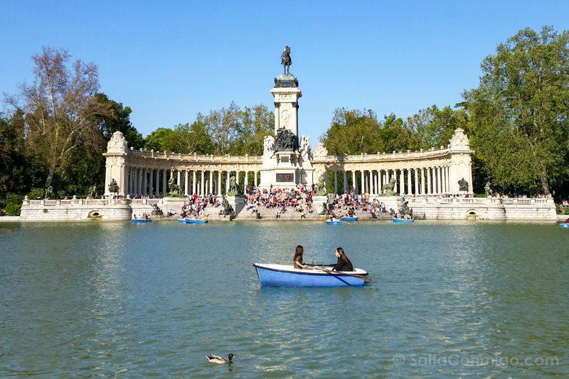 Parques Madrid Retiro Estanque Monumento Alfonso XII BarcaI