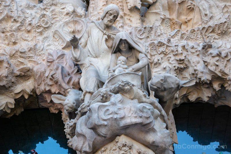 Sagrada Familia Barcelona Fachada Natividad Portico Central Nacimiento