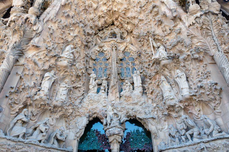 Sagrada Familia Barcelona Fachada Natividad Portico Central