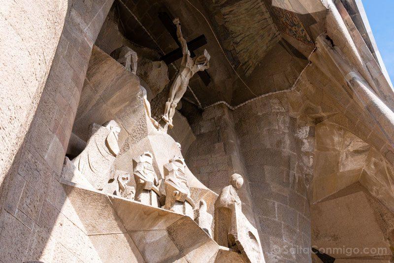 Sagrada Familia Barcelona Fachada Pasion Crucifixion