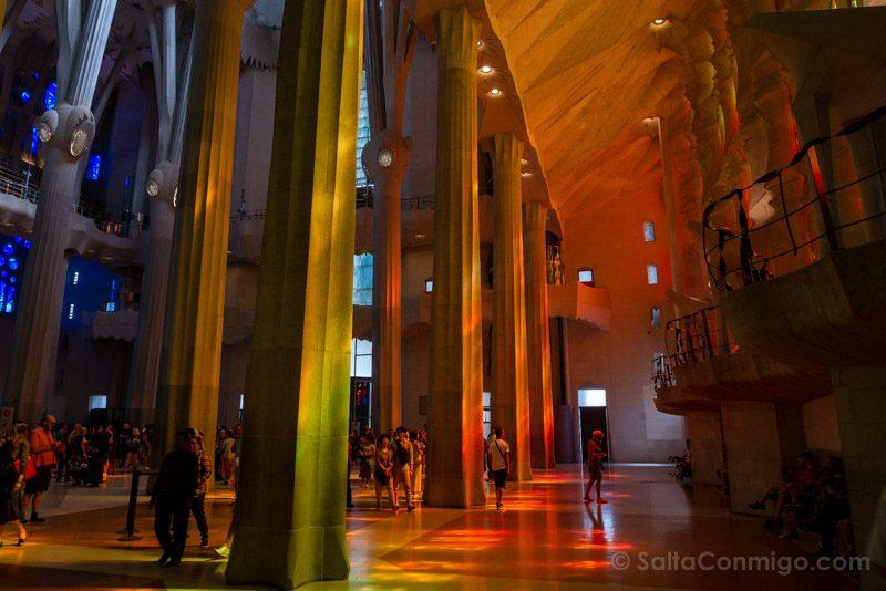 Sagrada Familia Barcelona Interior Juego Luz