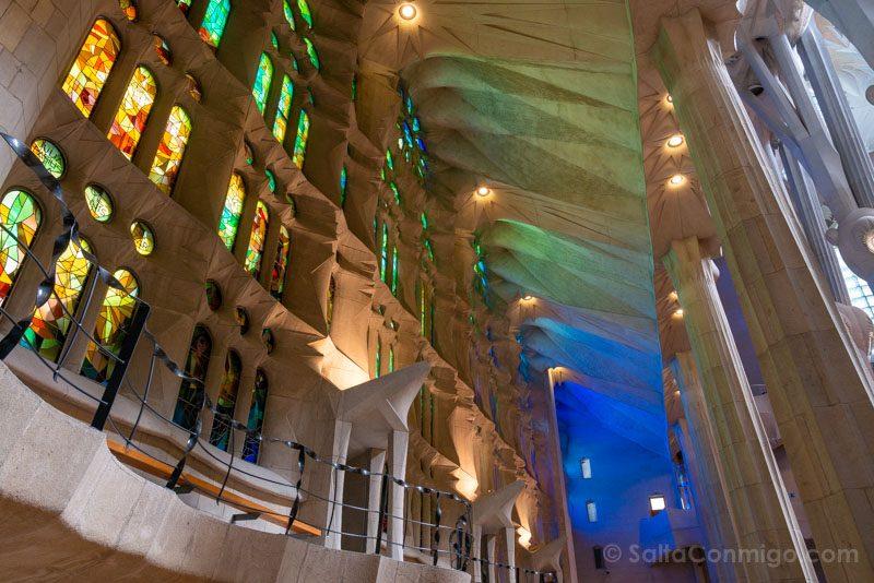 Sagrada Familia Barcelona Interior Vidrieras Frias