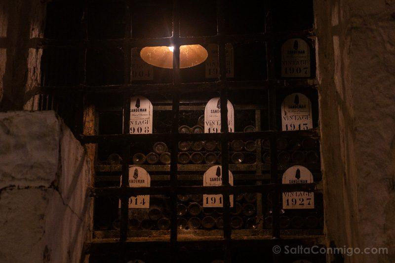 Bodegas Oporto Bodega Sandeman Botellas Antiguas