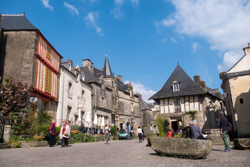 Pueblos Bretana Francia Rochefort-en-Terre Plaza