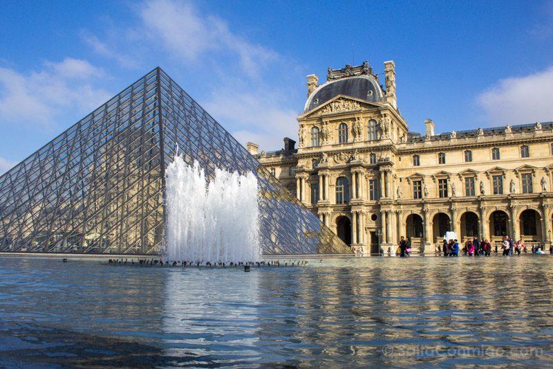 Arquitectura Contemporanea Ieoh Ming Pei Piramide Louvre Paris