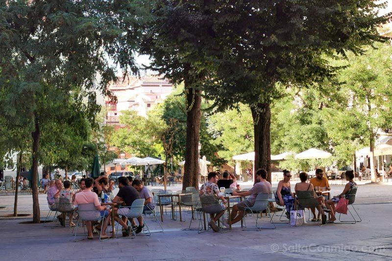Barrio La Latina Plaza Paja Terraza
