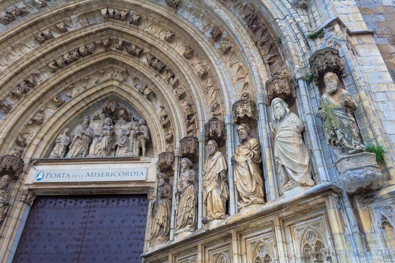 Basilica Santa Maria Castello Empuries Portada Misericordia Detalle