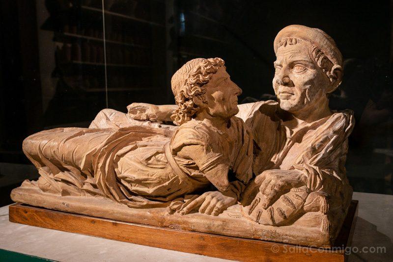 Que Ver En Volterra Toscana Museo Etrusco Urna degli Sposi