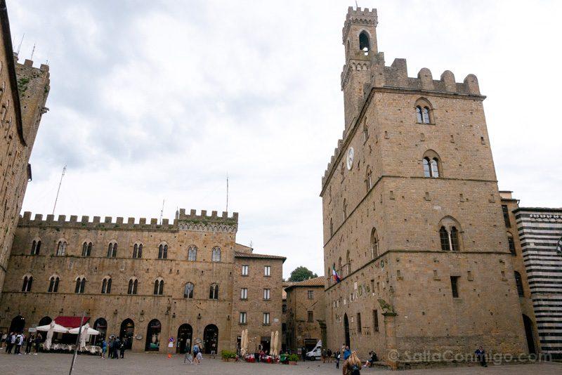 Que Ver En Volterra Toscana Piazza Priori