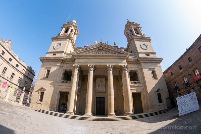 Catedral de Pamplona Iglesia Fachada Ojo Pez