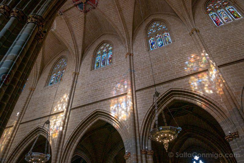 Catedral de Pamplona Iglesia Interior Vidrieras
