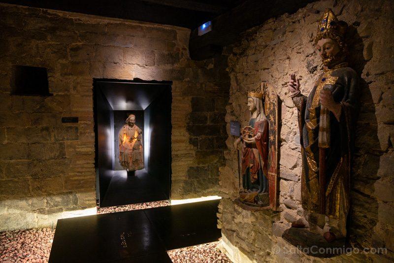 Catedral de Pamplona Museo Occidens Figuras