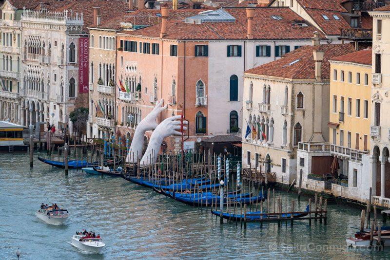 Miradores Venecia Fondaco Tedeschi Manos
