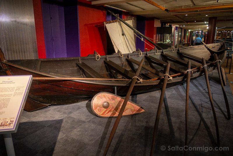 Centro Guillermo Conquistador Bayeux Barco