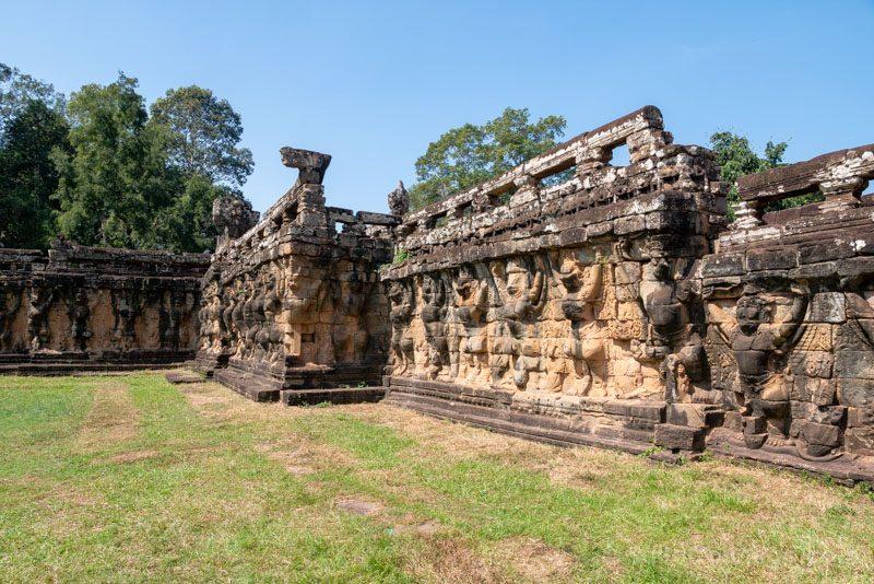 Que Ver en Angkor Thom Terraza Elefantes Garudas