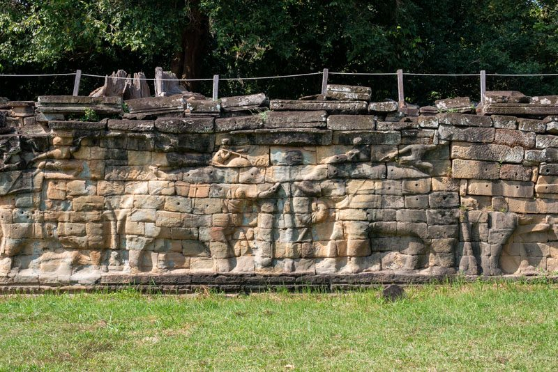 Que Ver en Angkor Thom Terraza Elefantes Pelea