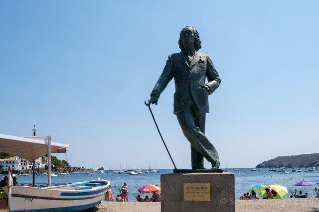 Que Ver en Cadaques Estatua Dali