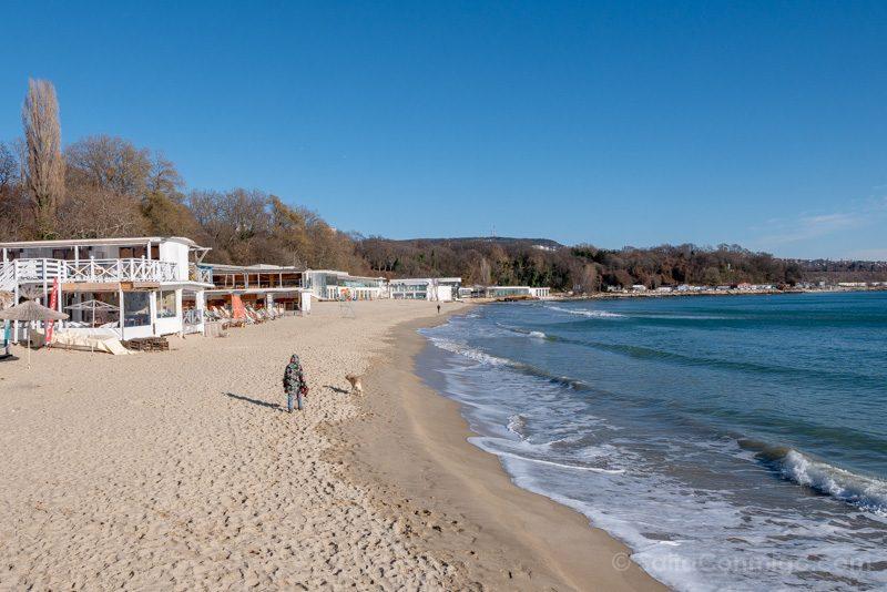 Que Ver en Varna Bulgaria Playa Urbana Chiringuitos