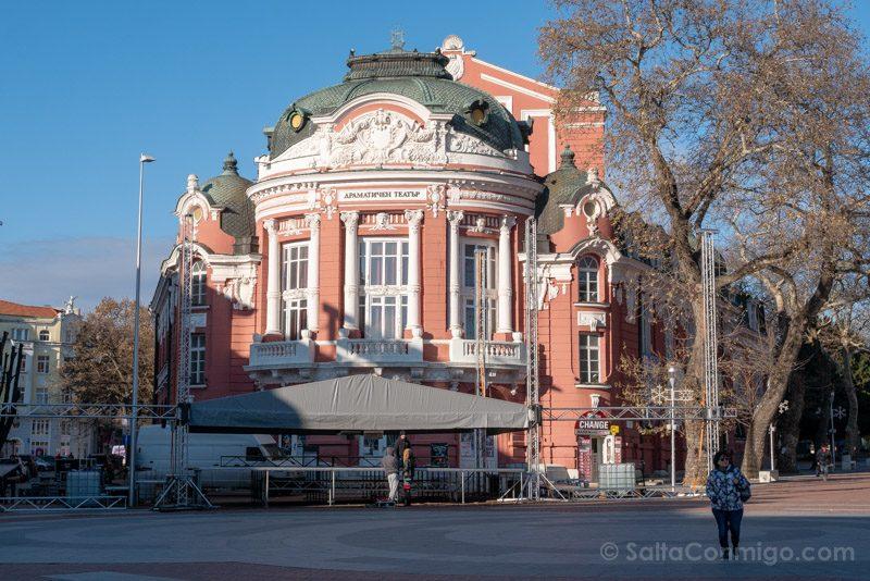 Que Ver en Varna Bulgaria Teatro Stoyan Bachvarov