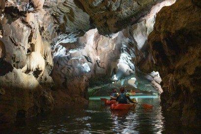 Turismo Activo en Castellon Coves Sant Josep Espeleokayak
