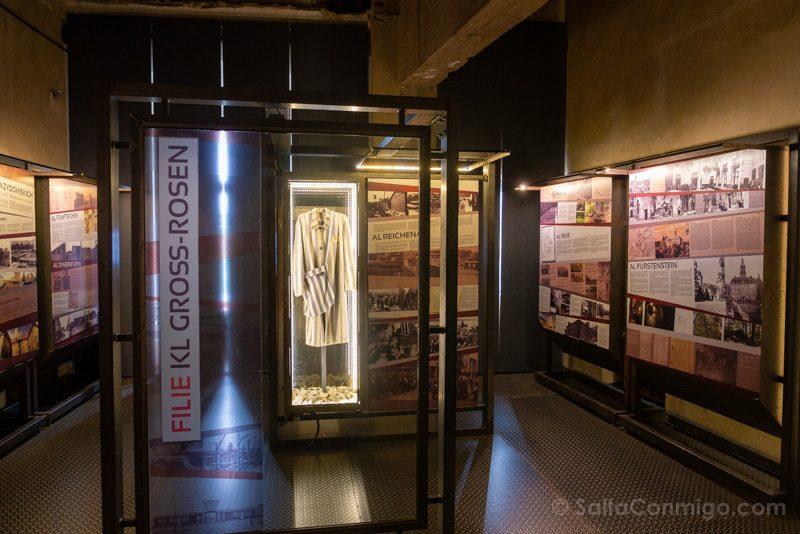 Castillo Ksiaz Interior Exposicion Gross-Rosen