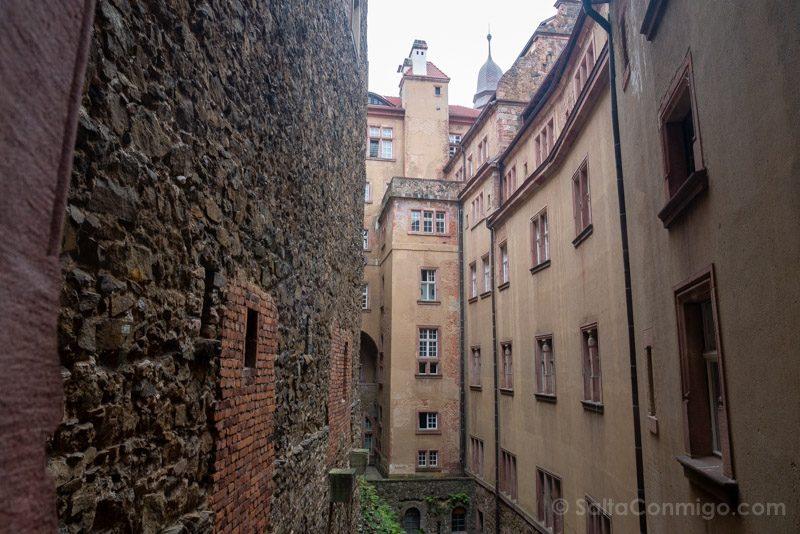 Castillo Ksiaz Patios