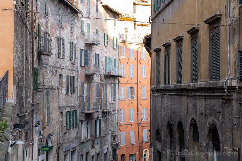 No se te ocurra meter el coche en las calles del casco histórico de Perugia