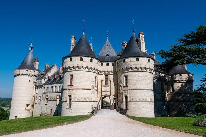 La puerta principal del edificio del castillo de Chaumont-sur-Loire