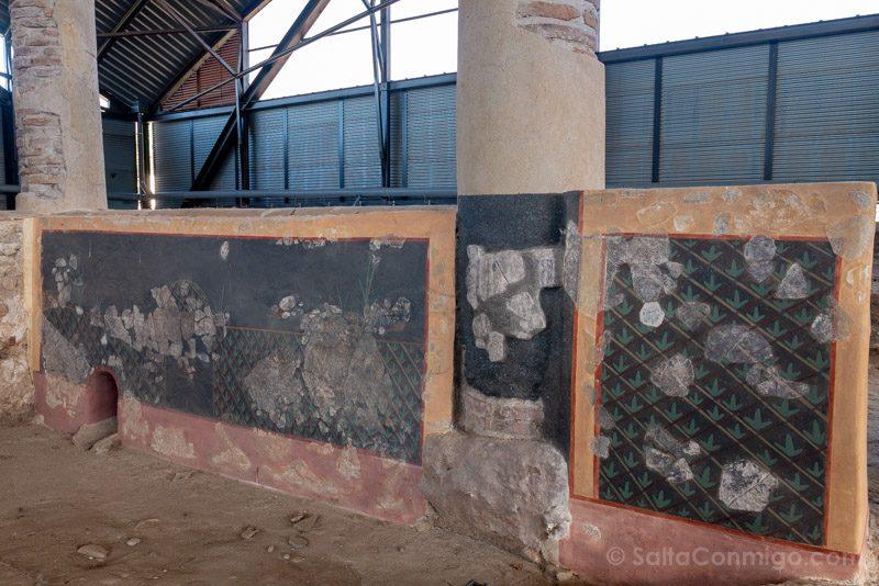 Complutum Alcala Henares Casa Grifos Pintura Patio
