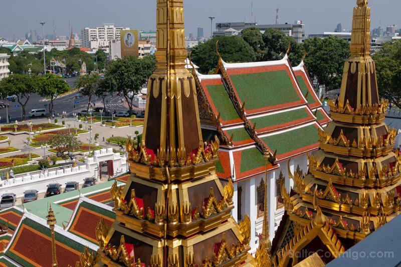 Templos de Bangkok Wat Ratchanatdaram Agujas