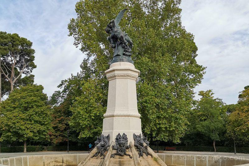 Curiosidades Del Retiro Estatua Angel Caido Bellver