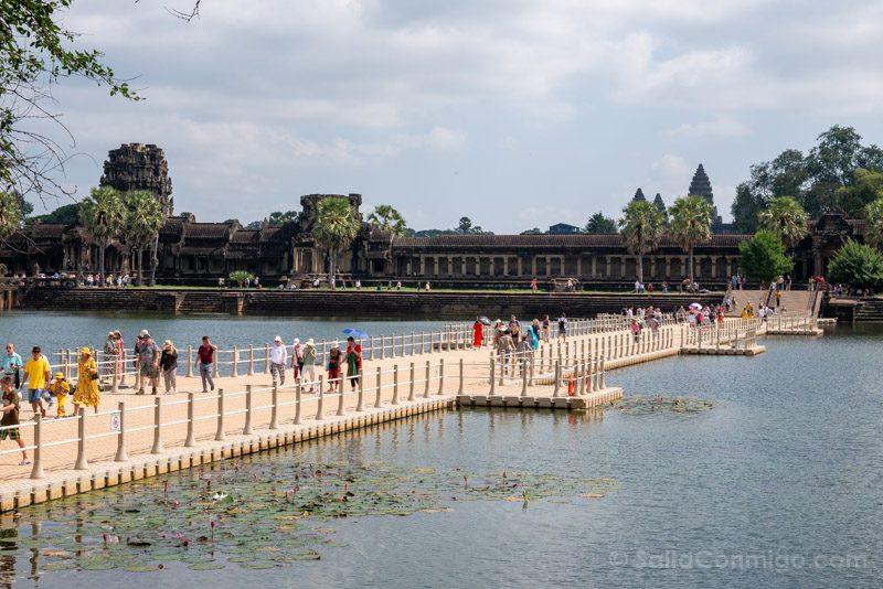 Que Ver En Angkor Wat Entrada Oeste Puente Flotante