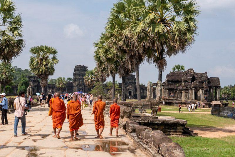 Que Ver En Angkor Wat Monjes Turistas