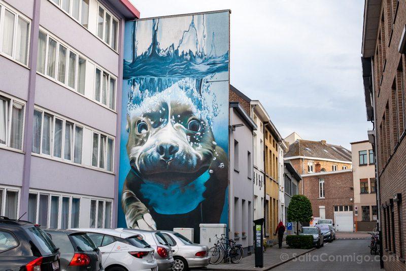 Que Ver en Malinas Arte Urbano Mural Smates Onderwaterhond