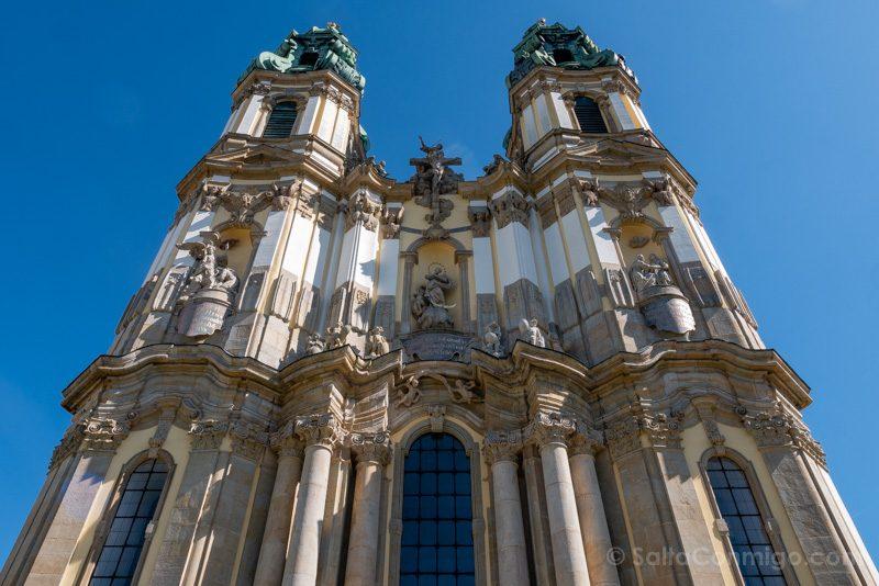 Abadia Krzeszów Polonia Basilica Asuncion Maria Torres Fachada