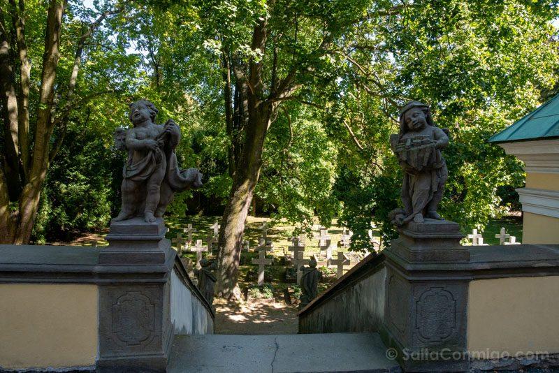 Abadia Krzeszów Polonia Escalera Cementerio