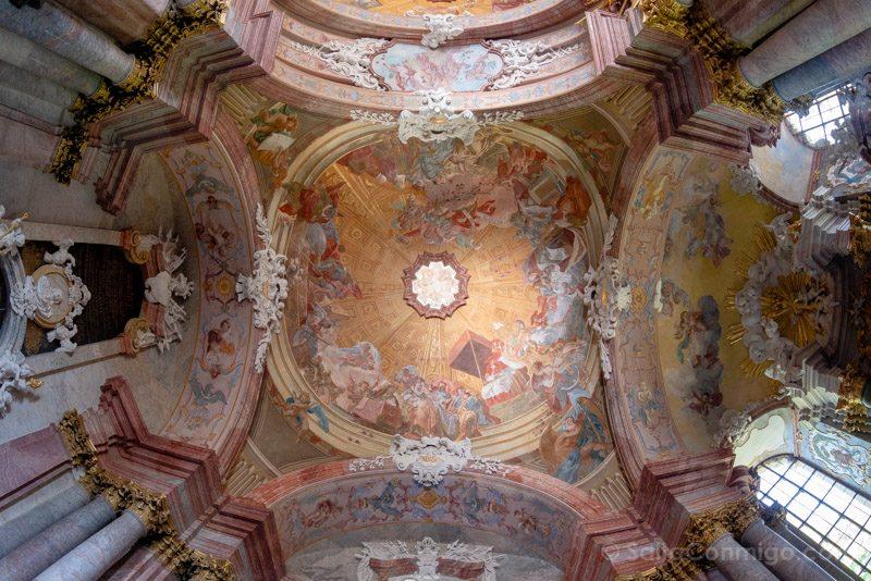 Abadia Krzeszów Polonia Mausoleo Piastas Techo