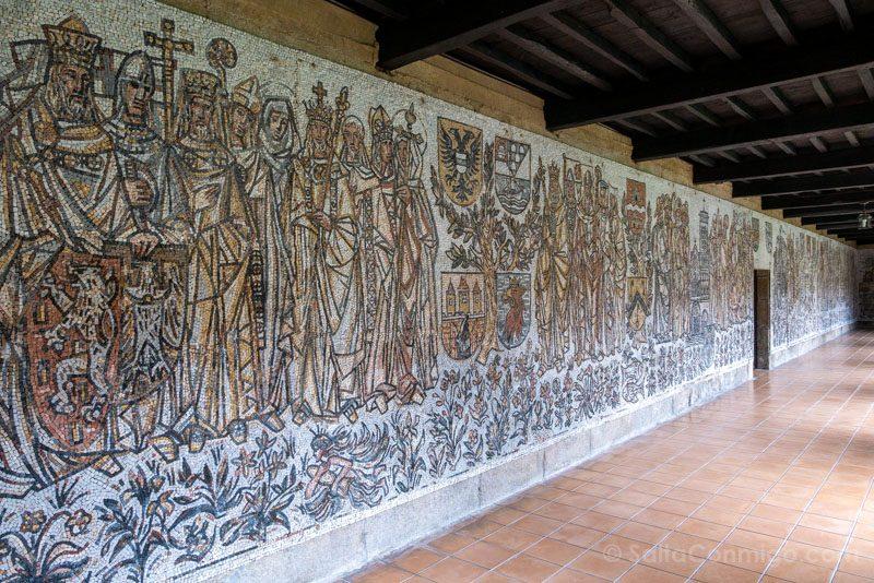 Monasterio San Juan Poio Claustro Cruceiro Mosaico