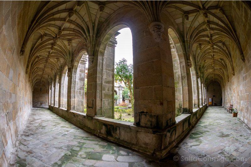 Monasterio San Juan Poio Claustro Procesional Arcos