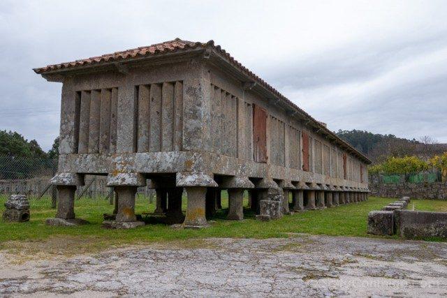 Monasterio San Juan Poio Horreo Mas Grande Galicia