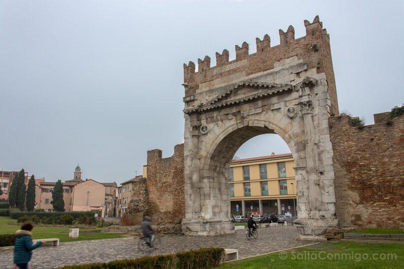 Que Ver En Rimini Arco Augusto