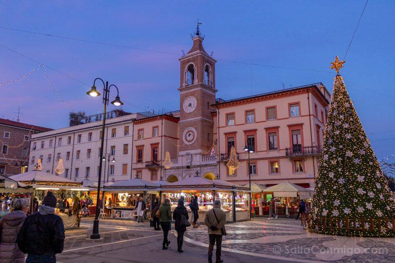 Que Ver En Rimini Piazza Cavour